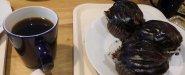 القهوة السوداء مع كيك الشوكلاته