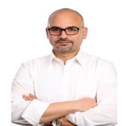 الدكتور طارق عطية