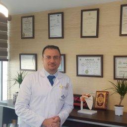 الدكتور خالد عطا