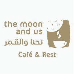 نحنا والقمر مطعم وكافيه