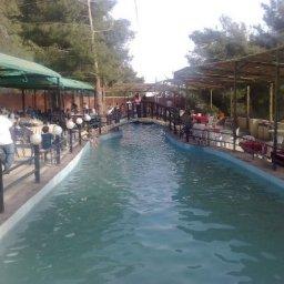 Nabe Al Arad Park And Restaurant