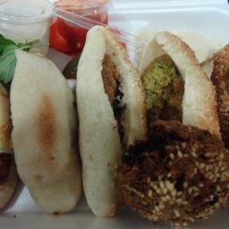 وجبة فلافل عربي