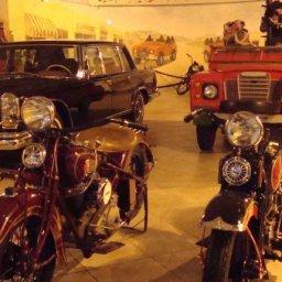 صوره لمتحف السيارات الملكي بعدسة المصوره هدى العقرباوي