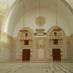 بعض أبواب المسجد