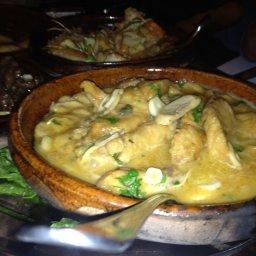 Garlic + Mushroom+ claypot = amazingly cooked fish!