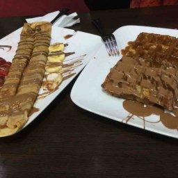 Caramel Waffle, fruits crepe