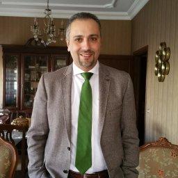 الدكتور علاء عزام
