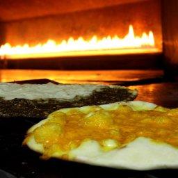 اشهى المناقيش اللبنانية في فرن سامر , منقوشة مكس شيز , اجود انواع الجبن , فرن سامر صويفية