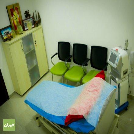 الدكتور نضال عبيدات ، أخصائي الجلدية و التناسلية ، أفضل طبيب جلدية في عمان ، عيادة ديرما لايف ، العناية بالبشرة ،عيادة الليزر